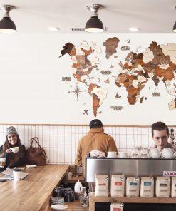 3D Mapa světa v kavárně