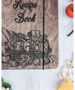 Dřevěná kuchařka - motiv koš s jídlem