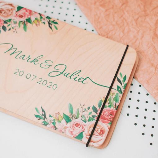 Svatební deník a fotoalbum ze dřeva - s motivem barevné růže